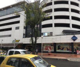 EN CENTRO COMERCIAL GALERÍAS