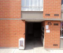 ALO y centros comerciales consta de hall de acceso tres alcobas
