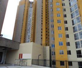 vista exterior que  cerca al centro comercial avenida gaitan cortez y avenida villavicencio