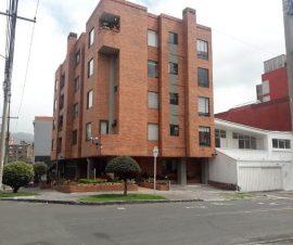 con terraza y balcón